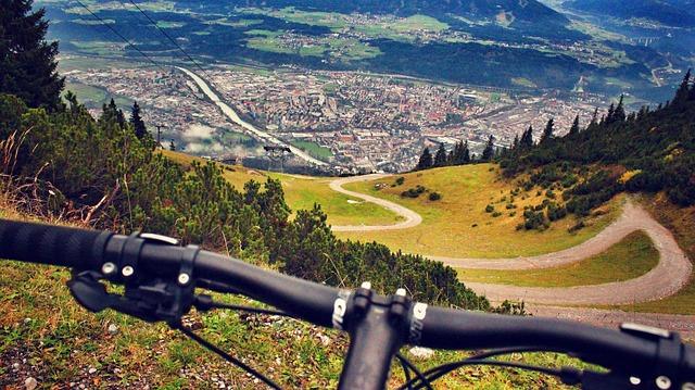cyklista v Alpách